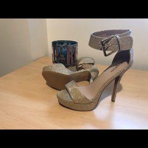 Bebe Stunning gold heels